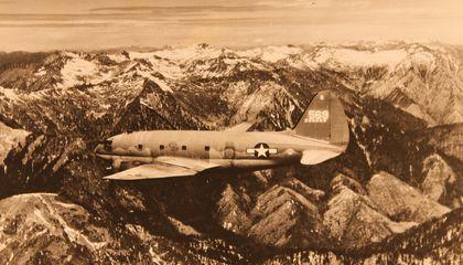 06 b ce16 batallas aéreas de la segunda guerra mundial c46 sobre la joroba